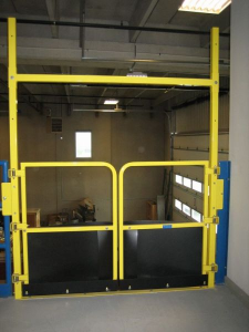 Self Closing Pallet Gate