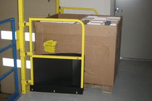 photo of self-closing pallet gate